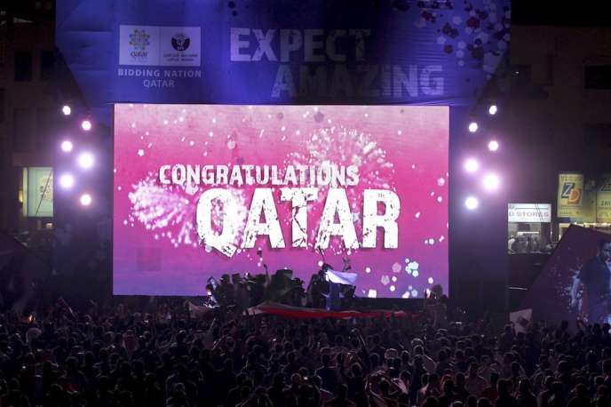 A Doha, en 2010, lors de la désignation du Qatar comme pays-hôte du Mondial 2022.