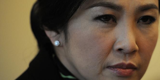 Yingluck Shinawatra est déjà interdite de vie politique pour cinq ans et interdite de sortie de territoire.