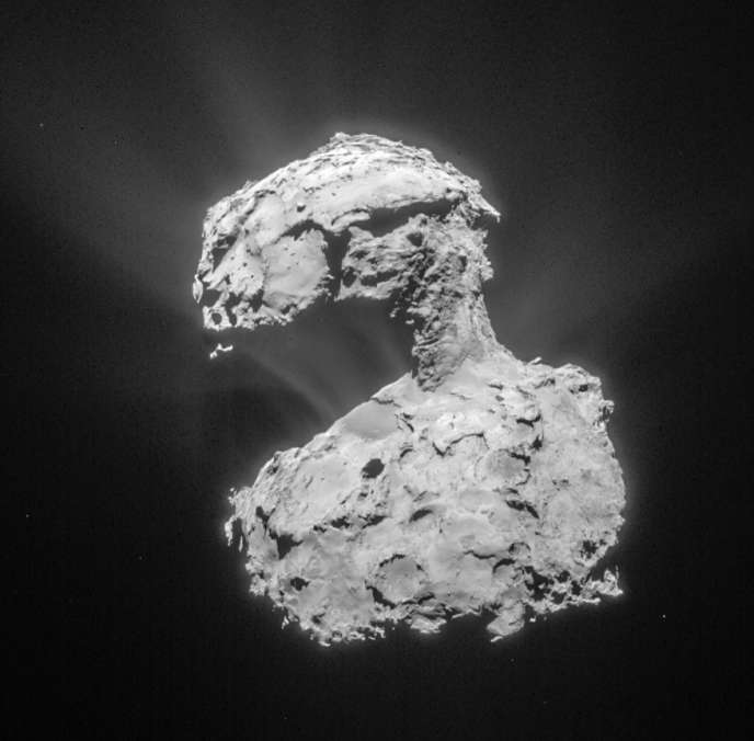 Cliché de la comète, le 14 mars, pris par l'instrument Navcam de Rosetta à 85 km de distance.
