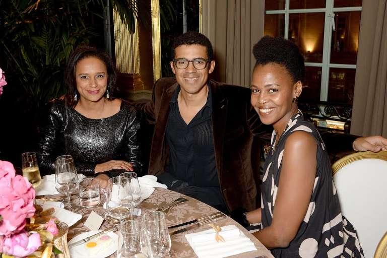 Sindika Dokolo entouré de son épouse, la fille du président angolais, Isabel Dos Santos (à gauche).