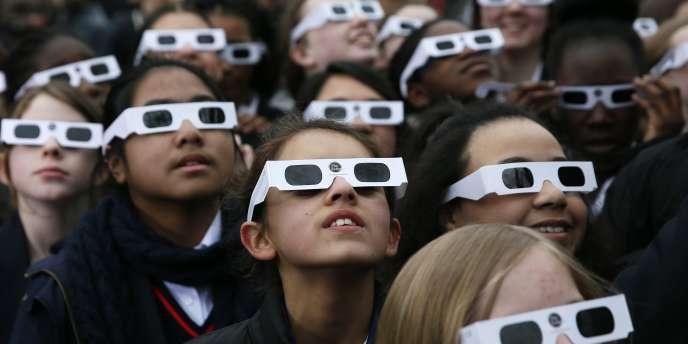 La prochaine éclipse solaire partielle en France se produira le 10juin 2021.