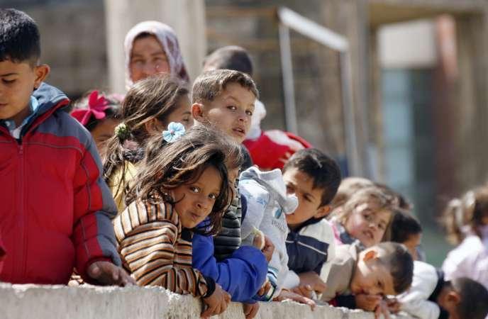 Quelque 866 000 personnes ont demandé le statut de réfugié en 2014 dans un des 44 pays industrialisés, c'est 45 % de plus qu'en 2013, selon un rapport du Haut Commissariat aux réfugiés (HCR) publié le 26 mars.