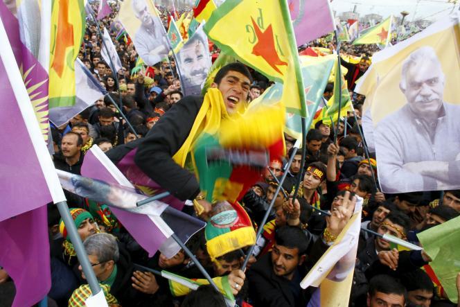 Samedi 21mars à Diyarbakir (sud-est de la Turquie), à l'occasion des célébrations de Newroz, le Nouvel An kurde.