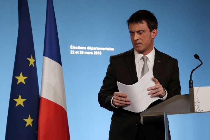 Le premier ministre Manuel Valls dresse un premier bilan du premier tour des élections cantonales dimanche 21 mars.