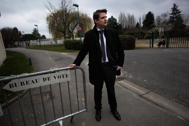 Vincent Rousseau, candidat FN dans le canton de Ribemont, le 22 mars avant d'aller voter.