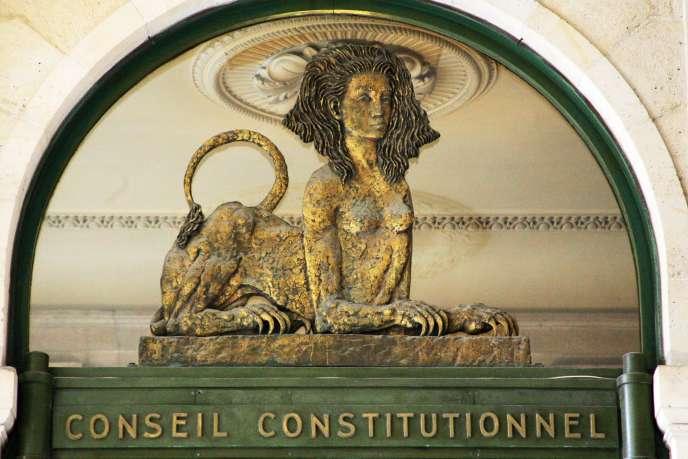 La décision du Conseil constitutionnel rendue mercredi 18 mars, qui interdit le cumul de poursuites pénales et administratives en matière boursière, met fin au procès EADS.