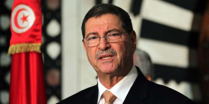 Habib Essid, qui a lui-même été ministre de l'intérieur en 2011 après la révolution, avait déjà admis que l'attaque contre le Musée du Bardo avait mis en évidence des défaillances sécuritaires graves.