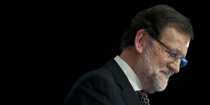 Le chef du gouvernement espagnol, Mariano Rajoy, lors d'un meeting du Parti populaire à Séville, le 20 mars.