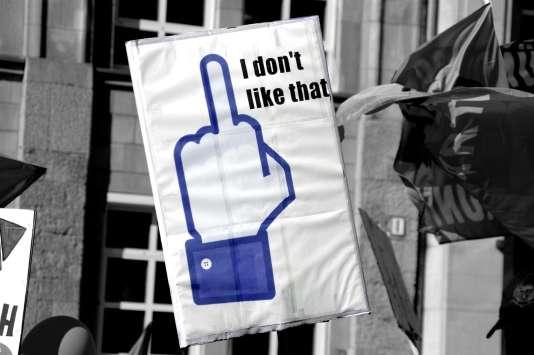 Pour Léa Clermont-Dion, trop peu est encore fait pour lutter contre la violence sexiste en ligne