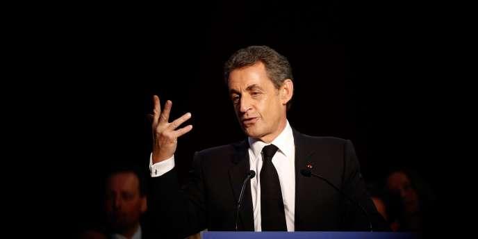Le président de l'UMP a affirmé que l'extrême droite ne montait que lorsque la gauche était au pouvoir et a avancé un argument peu solide quant à la période où il était chef de l'Etat.