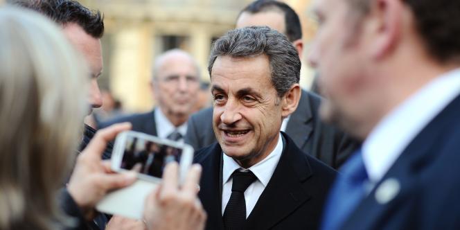 Le patron de l'UMP martèle d'une part que son parti n'a aucune proposition en commun avec le FN, ensuite que celui-ci propose les mêmes solutions économiques que le Front de gauche. Deux affirmations douteuses.