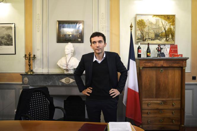 Le maire et tête de liste FN du Gard pour les régionales, Julien Sanchez