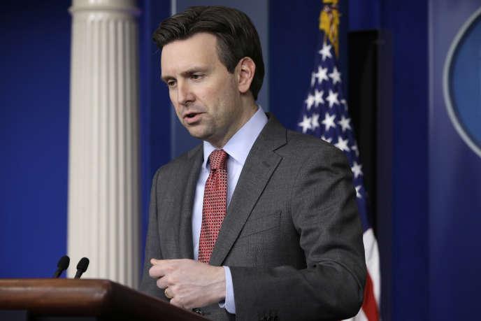 Le porte-parole de la Maison Blanche, Josh Earnest, répond à des questions concernant la situation au Yémen, le mercredi 25 mars à Washington.
