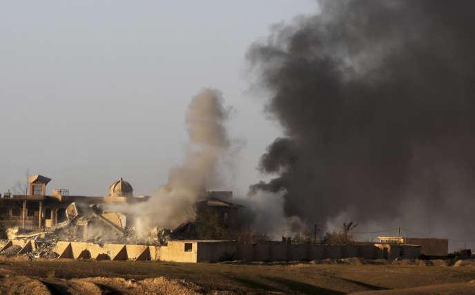 Immeubles détruits par les bombardements de la coalition dans la ville de Tikrit,  à 130 km au nord de Bagdad.