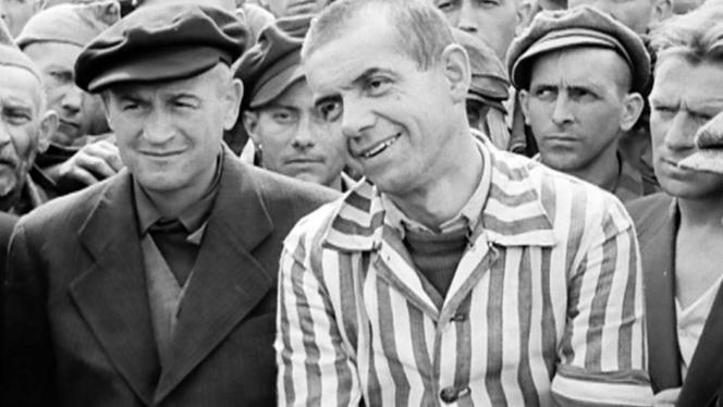 Le politicien Edmond Michelet durant sa libération du camp de concentration de Dachau.