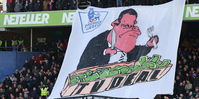 Banderole des supporteurs de Crystal Palace déployée lors d'un match contre Arsenal, à Londres, le21février2015.
