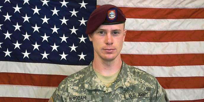 Bowe Bergdahl avait disparu le 30 juin 2009, quelques semaines après son arrivée en Afghanistan et avait été capturé par les talibans et détenu pendant près de cinq ans avant d'être libéré en mai 2014.