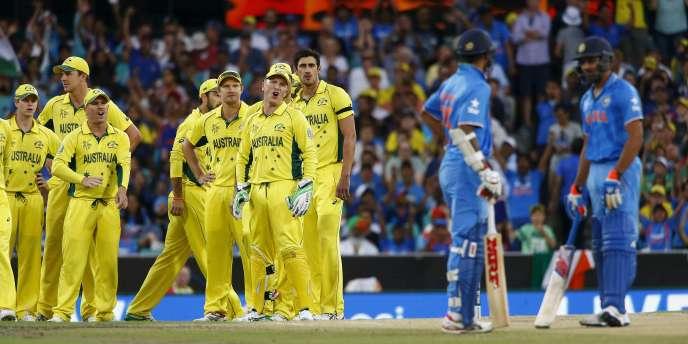 Les Australiens ont battu les Indiens en demi-finale de la Coupe du monde 2015 de cricket.