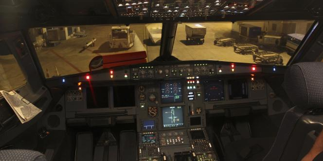 Le cockpit d'un A320.