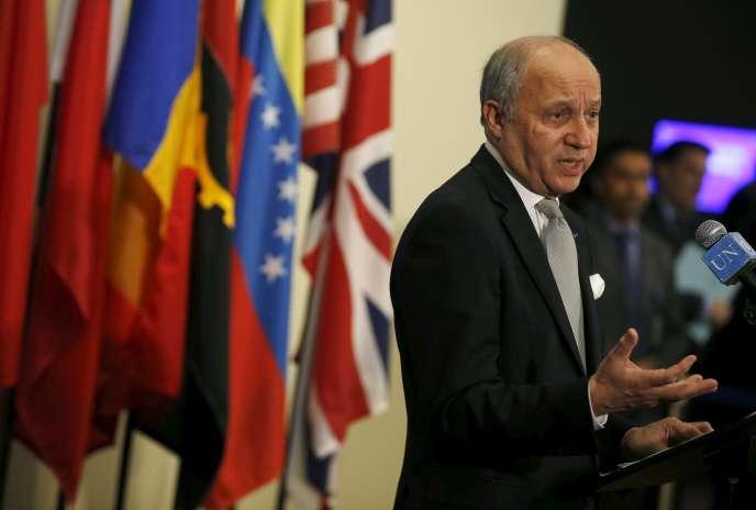 Laurent Fabius à la sortie de la réunion du Conseil de sécurité de l'ONU, à New York, le 27 mars.