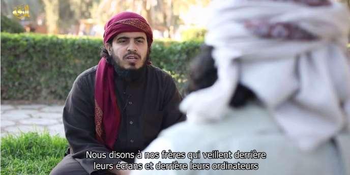 Capture d'une vidéo de l'EI destinée à ses sympathisants en ligne.