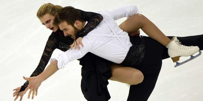 Les patineurs français Gabriella Papadakis et Guillaume Cizeron ont été sacrés champions du monde en danse sur glace à Shanghai.