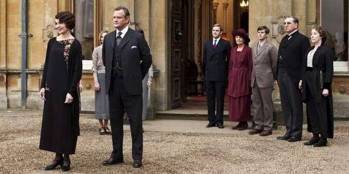 Vendue notamment en France, en Australie et également en Chine depuis2013, «Downton Abbey» a été récompensée à de multiples reprises, aux Golden Globes américains comme aux Baftas, au Royaume-Uni.