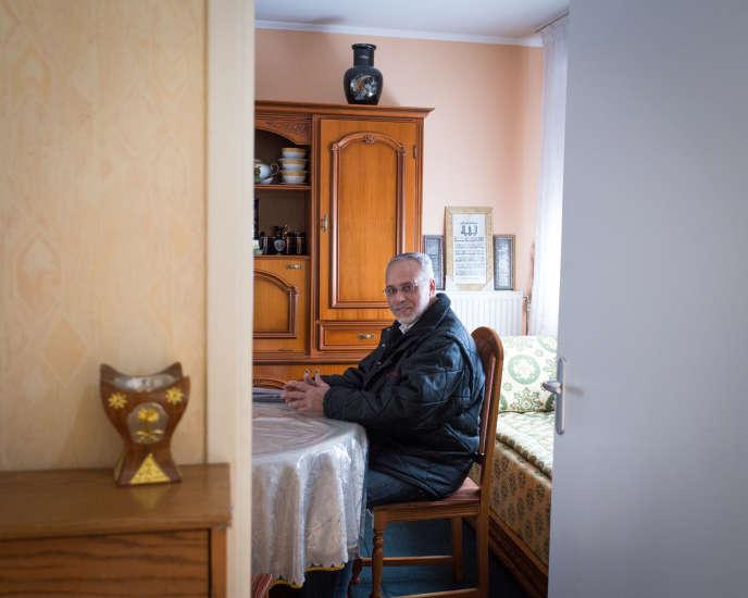 Mohammed Farhane, 66ans, est devenu propriétaire d'une maison de ville au Val-Fourré, à Mantes-la-Jolie.