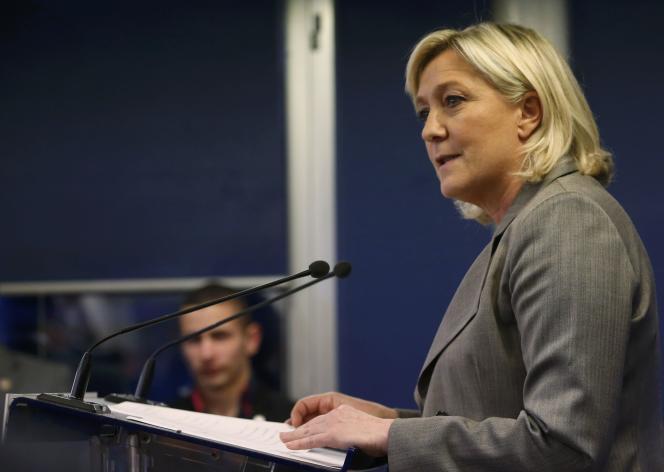 Marine Le Pen lors de son allocution au siège du FN à Nanterre, le 29 mars.