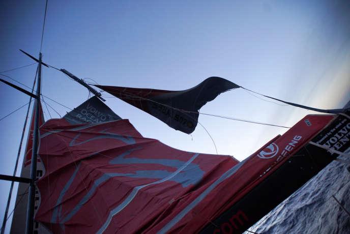 Dongfeng Race Team a démâté lundi 30 mars, au large du Cap Horn, dans la cinquième étape de la Volvo Ocean Race, le tour du monde à la voile et en équipage.