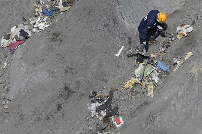 Sur les lieux du crash de l'A320 de Germanwings, qui a causé la mort de 150 personnes.
