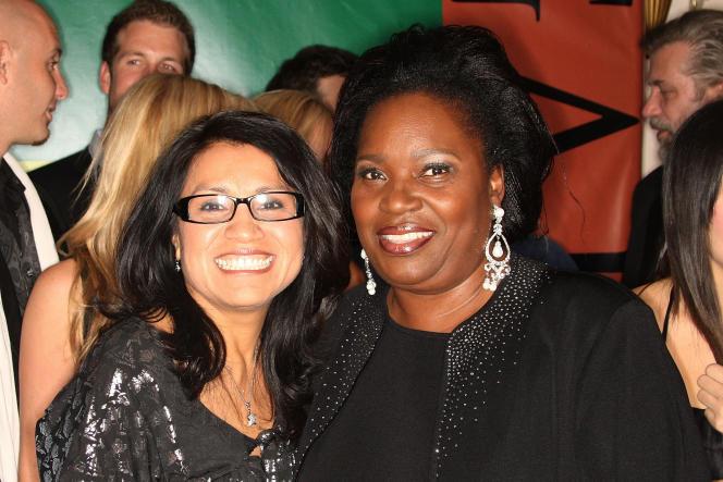 Pascaline Bongo (à droite), à Beverly Hills aux côtés de la participante à l'émission de télé-réalité Survivor Gabon, le 13 décembre 2008.