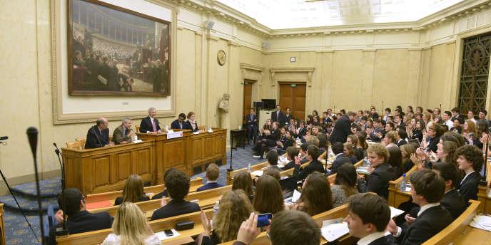 Le parlement des étudiants au Palais d'Iéna.