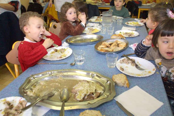 Eloigner les enfants de la cantine a des répercussions sur leur santé et leurs résultats scolaires.