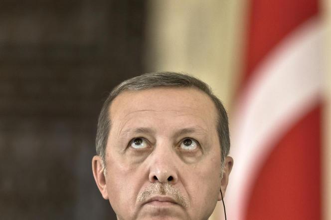 Recep Tayyip Erdogan, lors d'une visite officielle à Bucarest, le 1er avril.