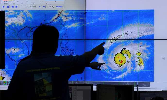 L'armée philippine a été placée en alerte mercredi et constitue des stocks de vivres et de médicaments en prévision de l'arrivée d'un super-typhon, Maysak.