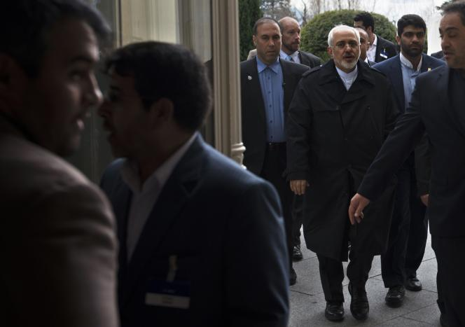 Le chef de la diplomatie iranienne, Javad Zarif, le 2 avril à l'hôtel Beau Rivage de Lausanne.