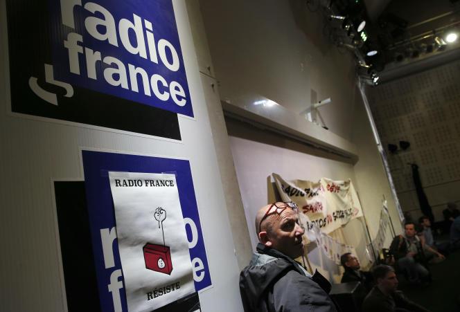 Dans la Maison de la radio, le 3 avril, à Paris.
