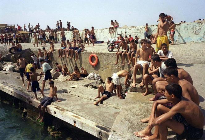 Au Port de Ras Hamidou (Algérie), en août 2000.