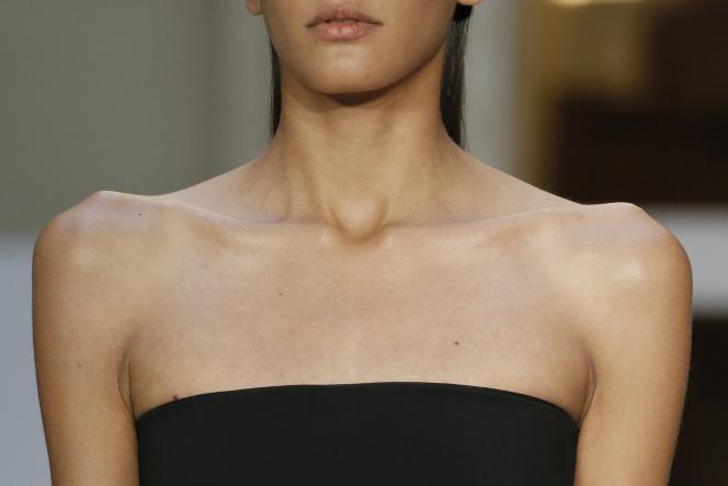 Dans un défilé de mode parisien, en septembre 2014.