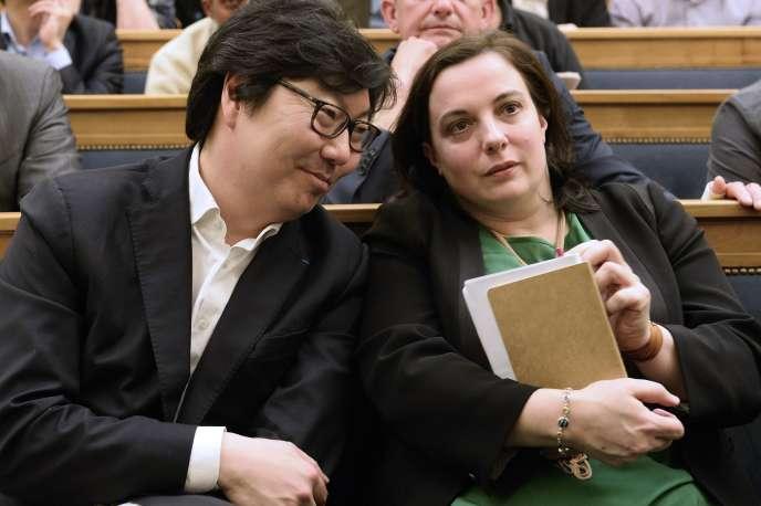 Le sénateur Jean-Vincent Placé et la secrétaire nationale d'Europe Ecologie-Les Verts, le 4 avril 2015n à l'Assemblée nationale.