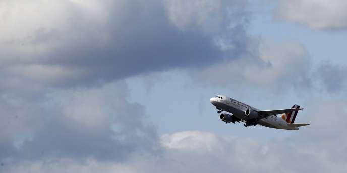 Selon le «Wall Street Journal», « les officiels de l'Union européenne ont estimé que le régulateur allemand chargé de la sécurité aérienne souffrait de pénuries chroniques de personnel pouvant nuire à sa capacité de contrôle des appareils et des équipages, y compris au niveau médical ».