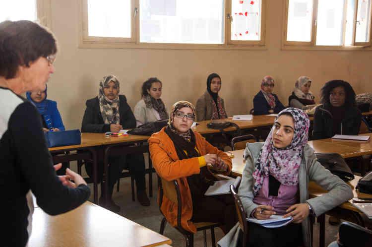 Cours de sciences du langage à l'université de lettres et sciences humaines de Ben M'Sik.