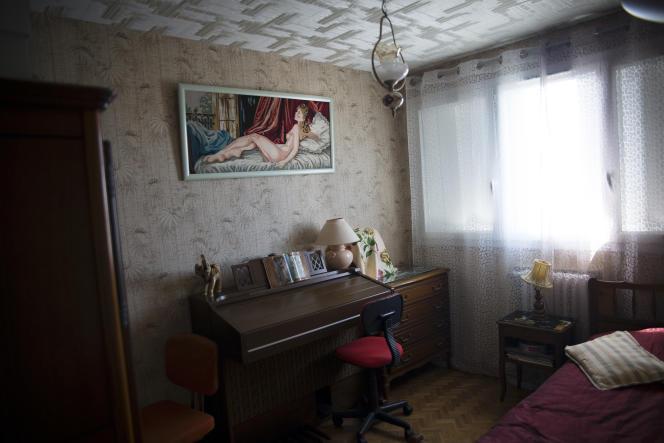 Dans un appartement rénové par les Compagnons bâtisseurs, au Parc Kallisté, à Marseille, le 2 avril.