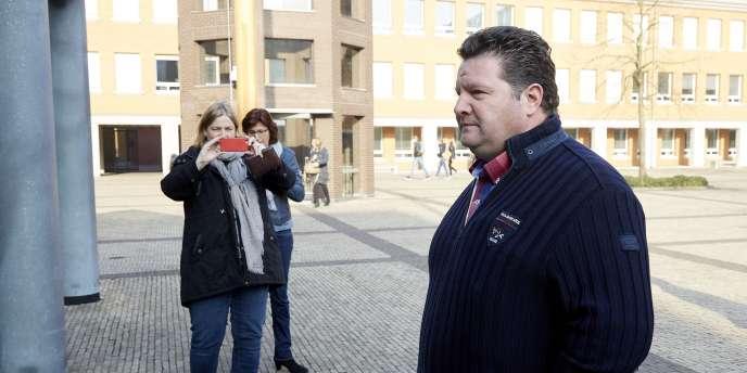Le Néerlandais Willy Selten lors de son arrivée au tribunal de Bois-le-Duc, le 24 mars.