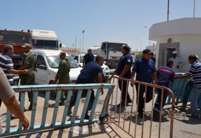 La frontière entre la Tunisie et la Libye, en 2014.
