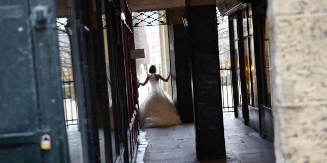 """"""" Depuis le début de l'année, on a perdu plus de 10 % de notre chiffre d'affaires """". L'entreprise de robes de mariée Pronuptia placée en liquidation judiciaire https://www.lemonde.fr/economie/article/2019/09/13/l-entreprise-de-robes-de-m"""