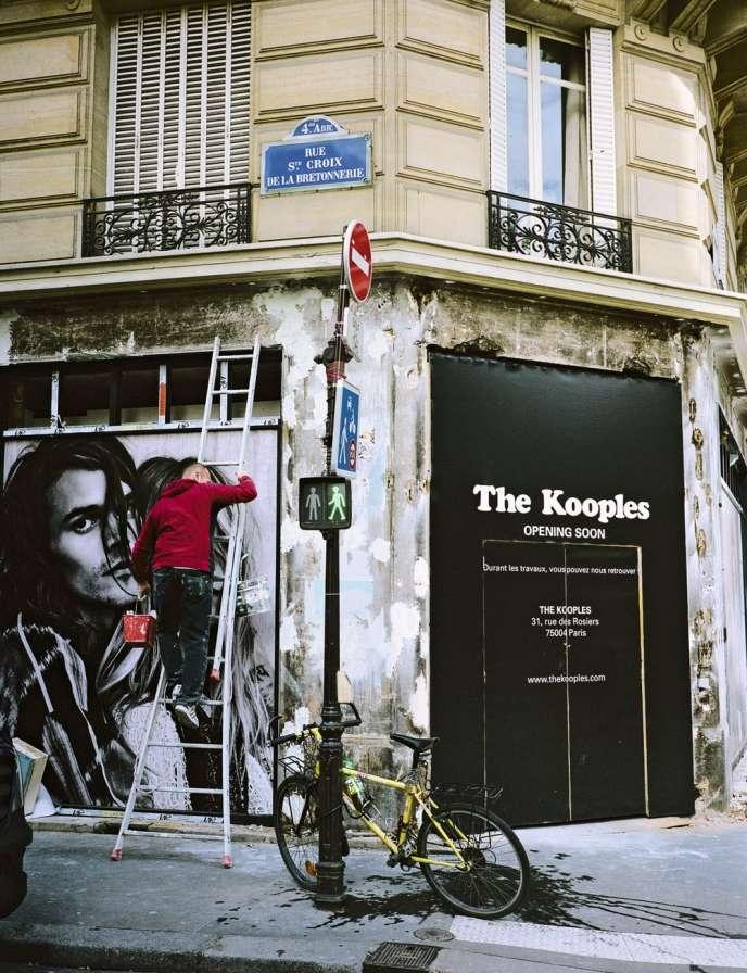 La marque The Kooples compte 334 points de vente dans 32 pays, principalement en Europe et aux Etats-Unis, selon le groupe Maus Frères.