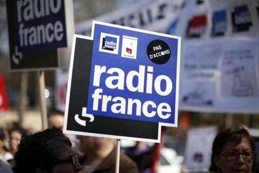 Le médiateur éclaire un des angles morts du conflit : le fait que Radio France « utilise la précarité (…) comme un véritable mode de gestion du personnel ».