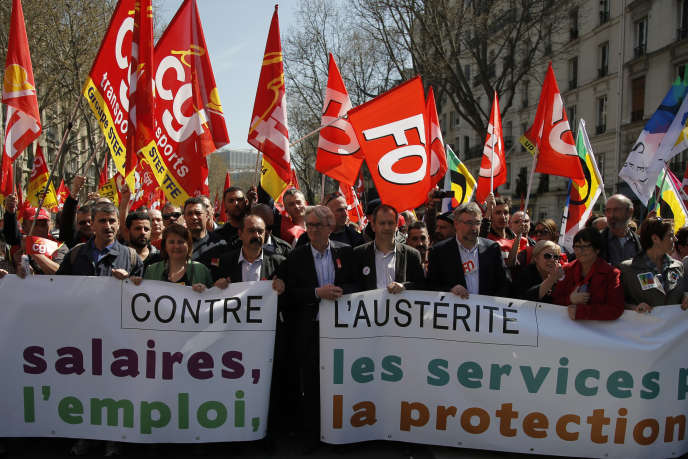 La manifestation de syndicats contre l'austérité, à Paris, le 9 avril 2015.